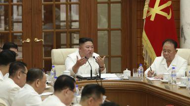 Китай осигурил експериментална ваксинация на Ким Чен-ун и семейството му