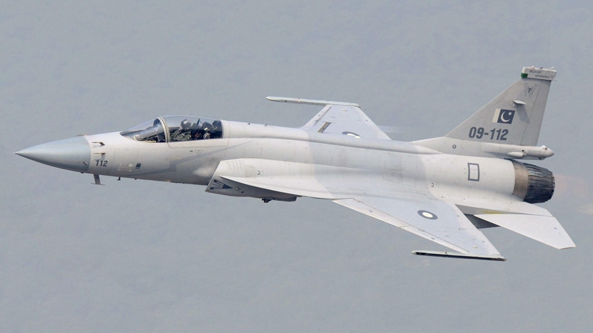 Как Китай и Пакистан направиха хибрид между МиГ-21 и F-16