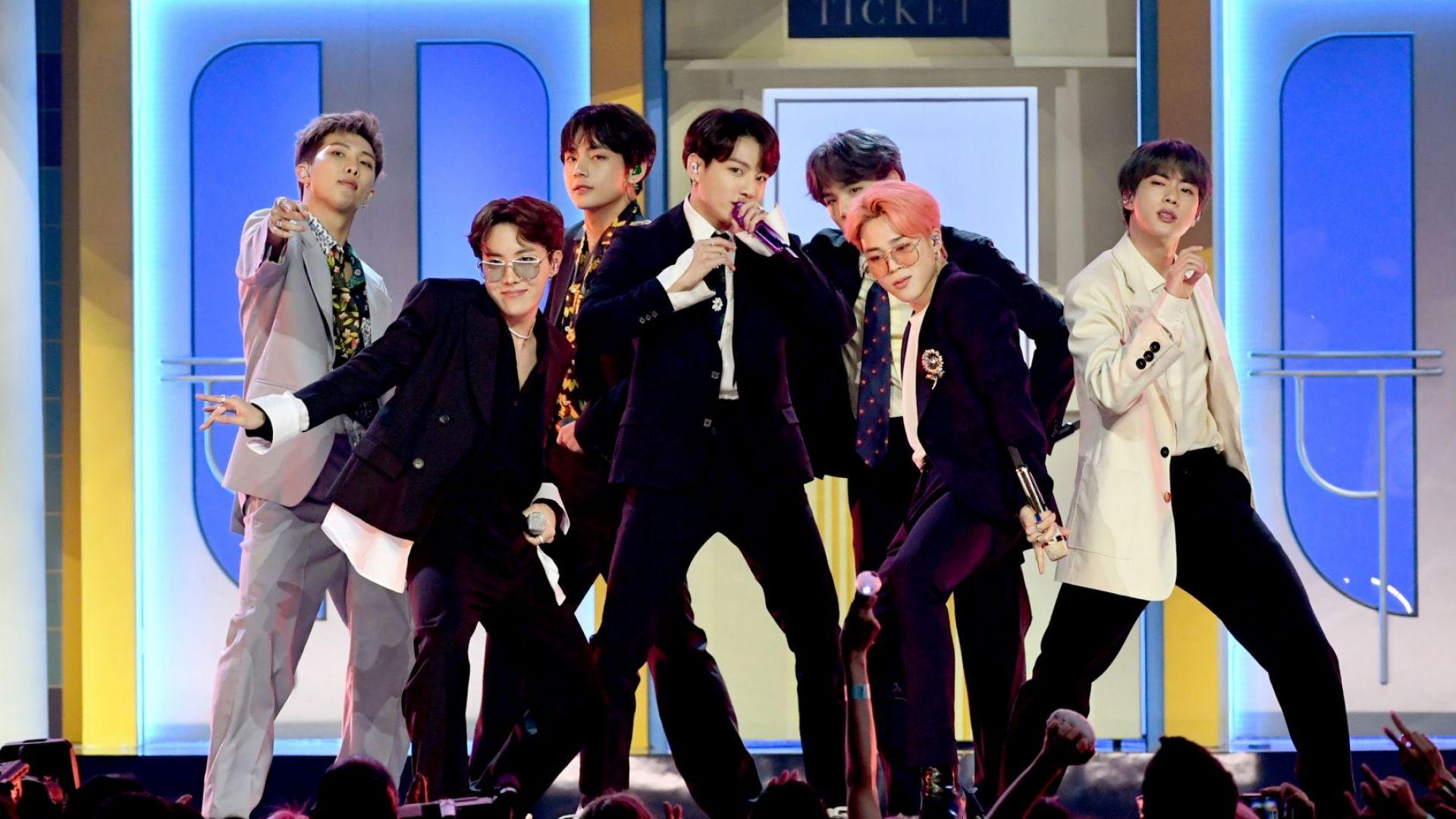 BTS  с първи концерт от началото на пандемията за Нова година