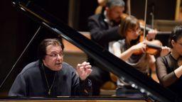 Виртуозният пианист Андрей Гаврилов ще партнира на Софийската филхармония