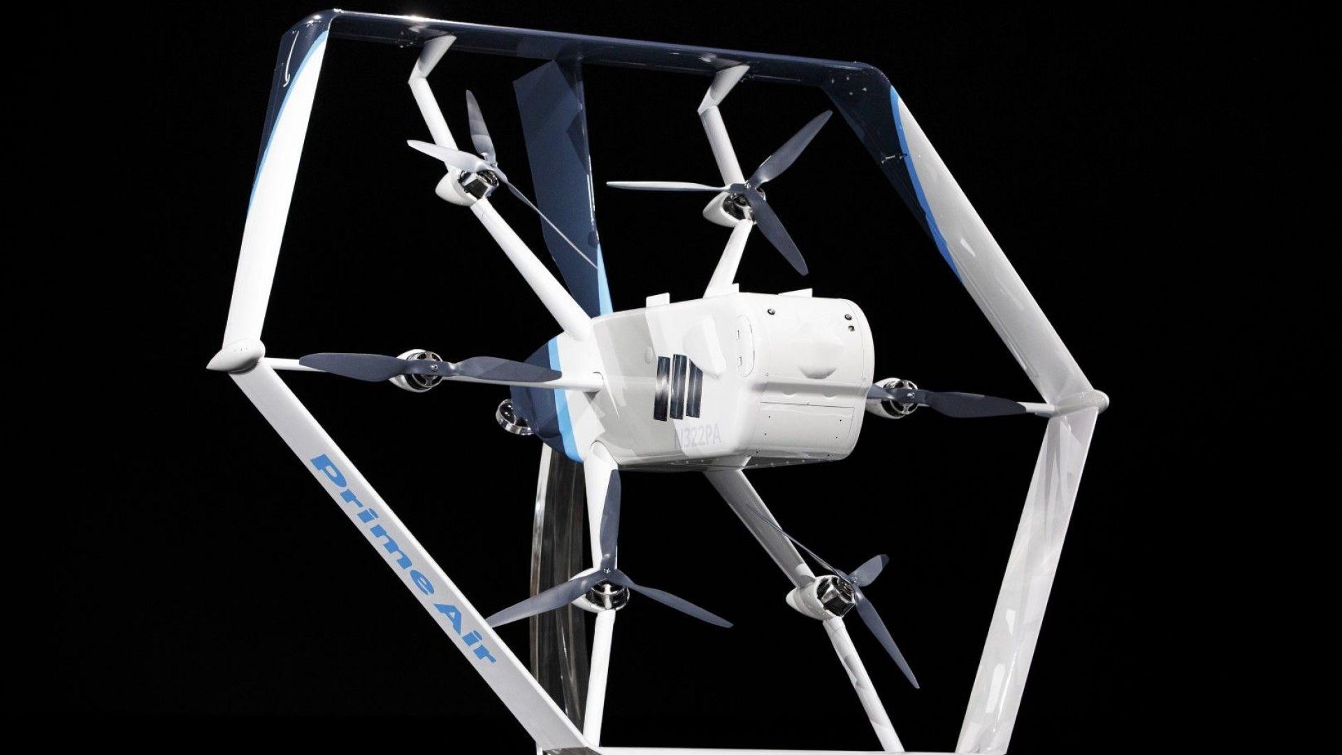 Регулаторът в САЩ разреши и на Амазон да доставя с дронове