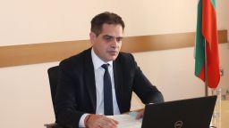 Министърът на икономиката се самоизолира, затварят ведомството заради заразени