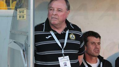Венци Стефанов прибегна до спешна треньорска смяна в опит да спаси Славия