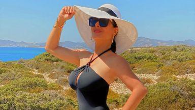 Салма Хайек по-сексапилна от всякога на 54-ия си рожден ден