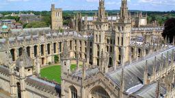 Топ класация: Оксфордският университет е най-добрият в света (видео и снимки)