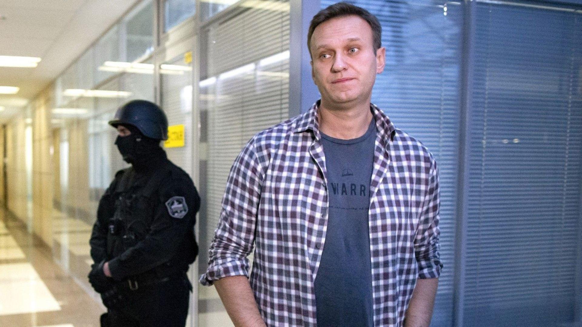 Рублата и руската борса реагираха със спад на съобщението от Германия за Навални