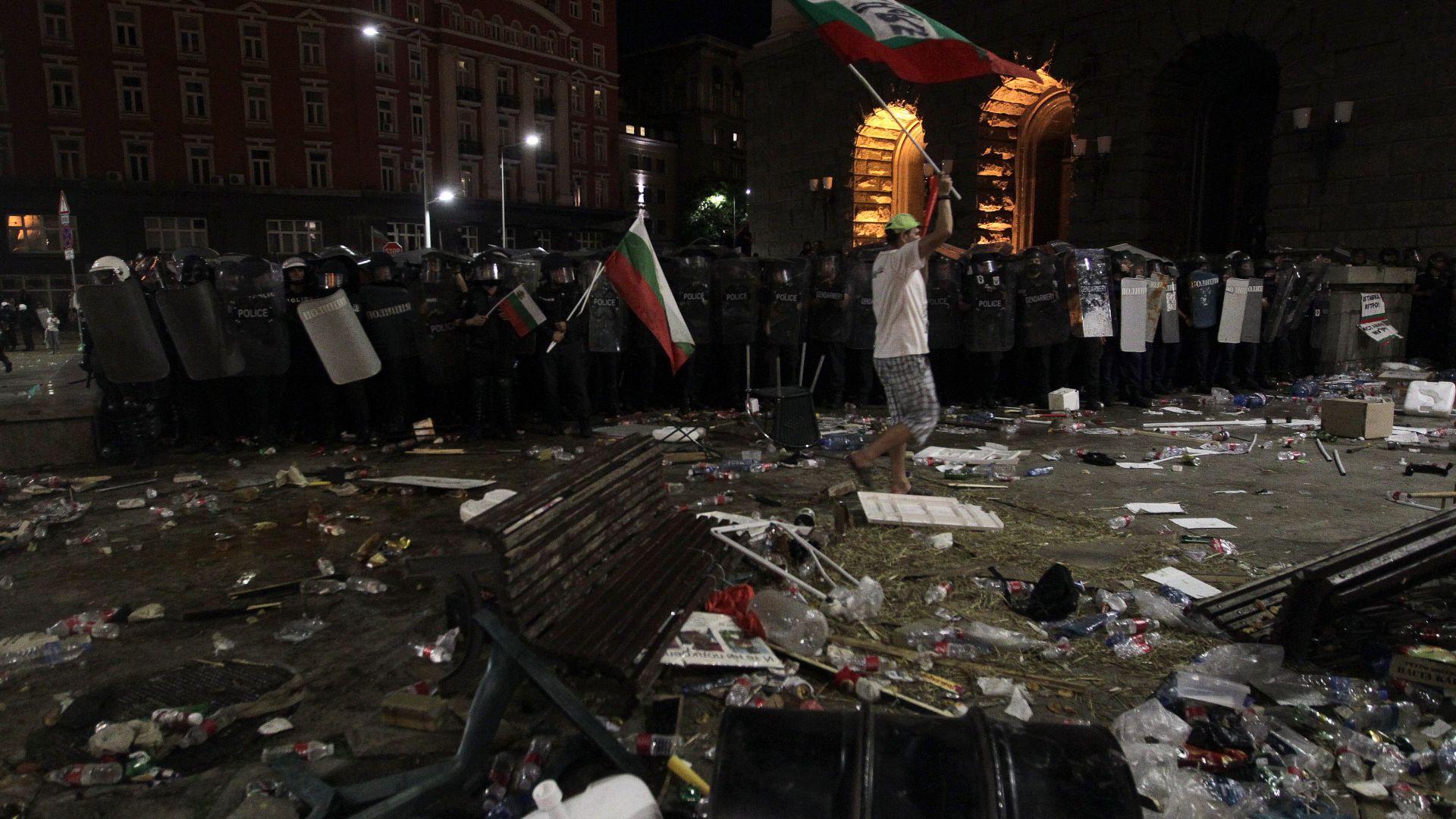 Синдикатът на МВР: Абсурдно е сред униформените на протеста да попадне човек, който не е в редиците ни