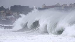 Тайфунът Майсак удари Япония и Южна Корея (видео)