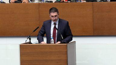 Министърът на вътрешните работи обеща 30% повишение на заплатите на полицаите