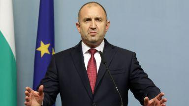 От президентството: Към конкретния момент Румен Радев не е контактувал със заразен