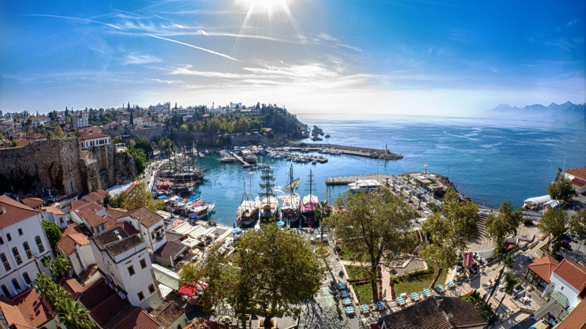 Анталия е приела 1,5 милиона чужди туристи през 2020-а