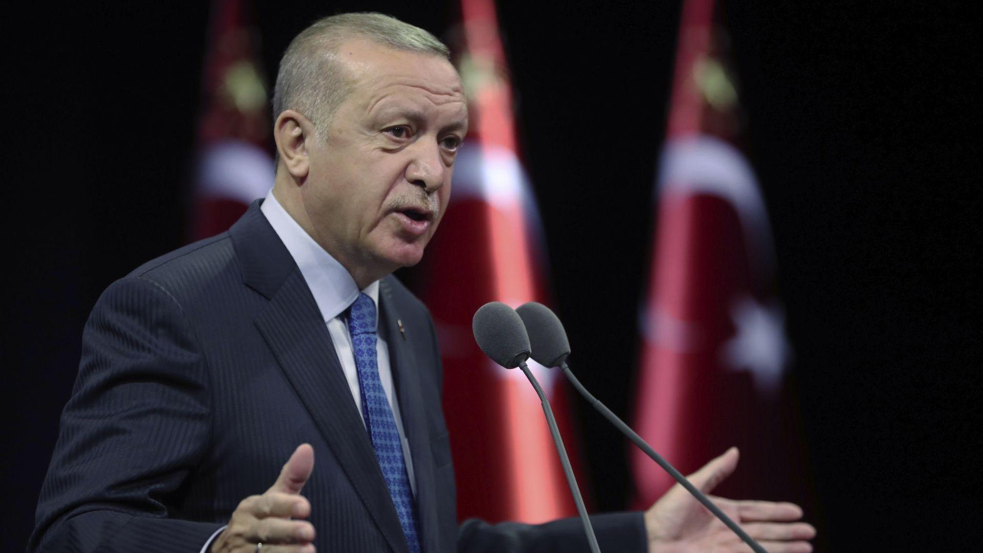 Ердоган ограничава Турския лекарски съюз, защото го критикува за коронавируса