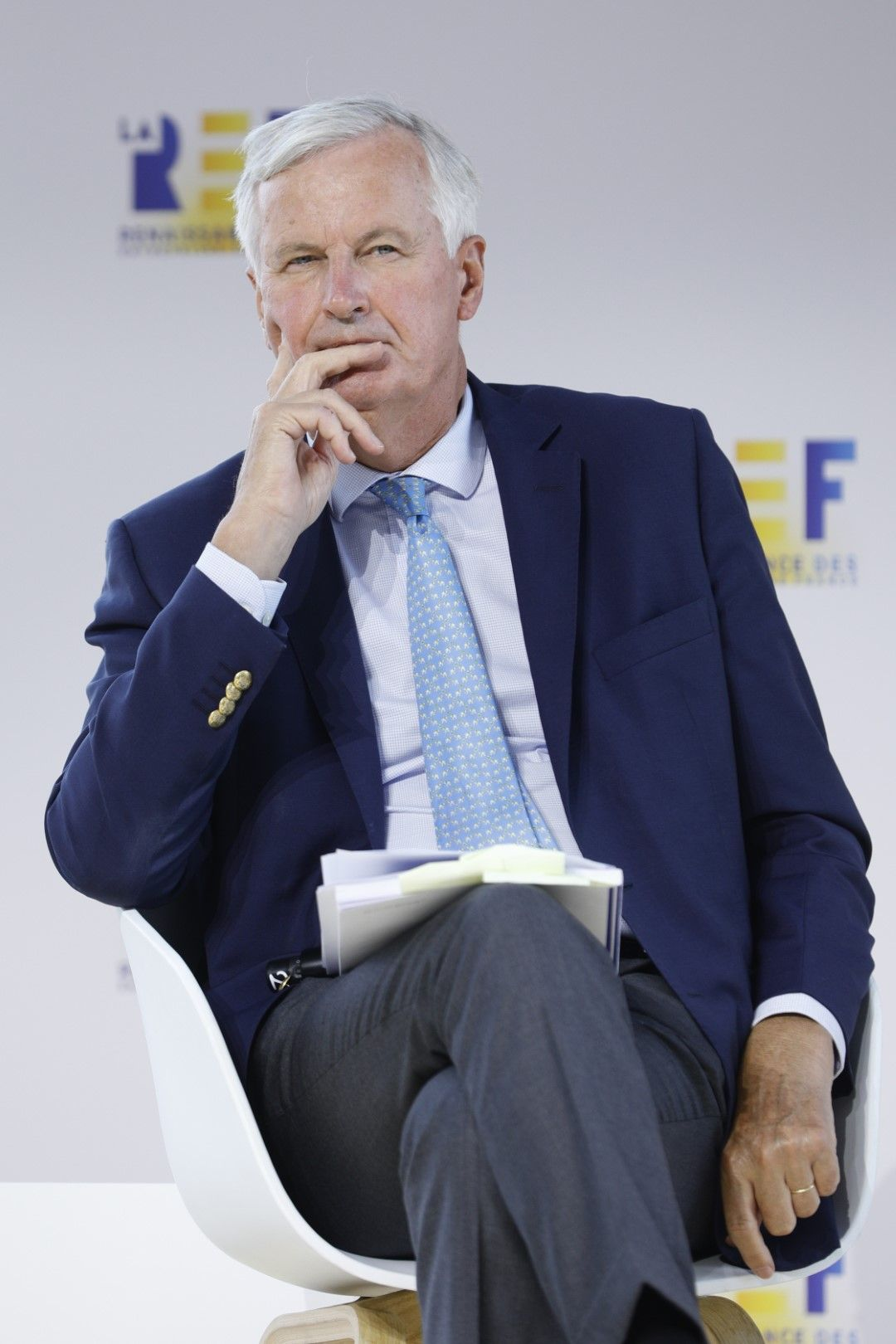 Разговорите между двете страни вървят трудно, заяви Мишел Барние и опроверга твърденията, че ще напусне поста си