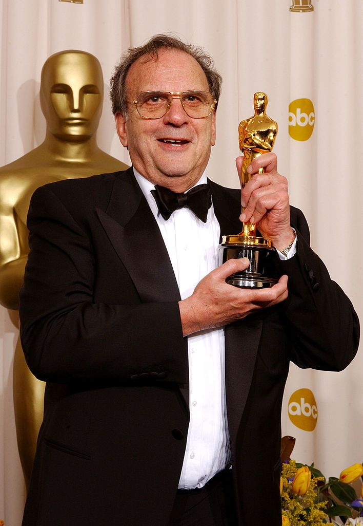 """Роналд с награда """"Оскар"""" за най-добър адаптиран сценарий за """"Пианистът"""" през 2003 г."""