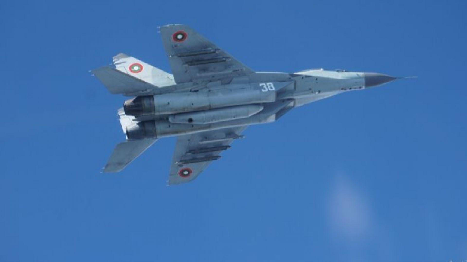 Български МиГ е паднал в Черно море при ученията край Шабла, търсят пилота