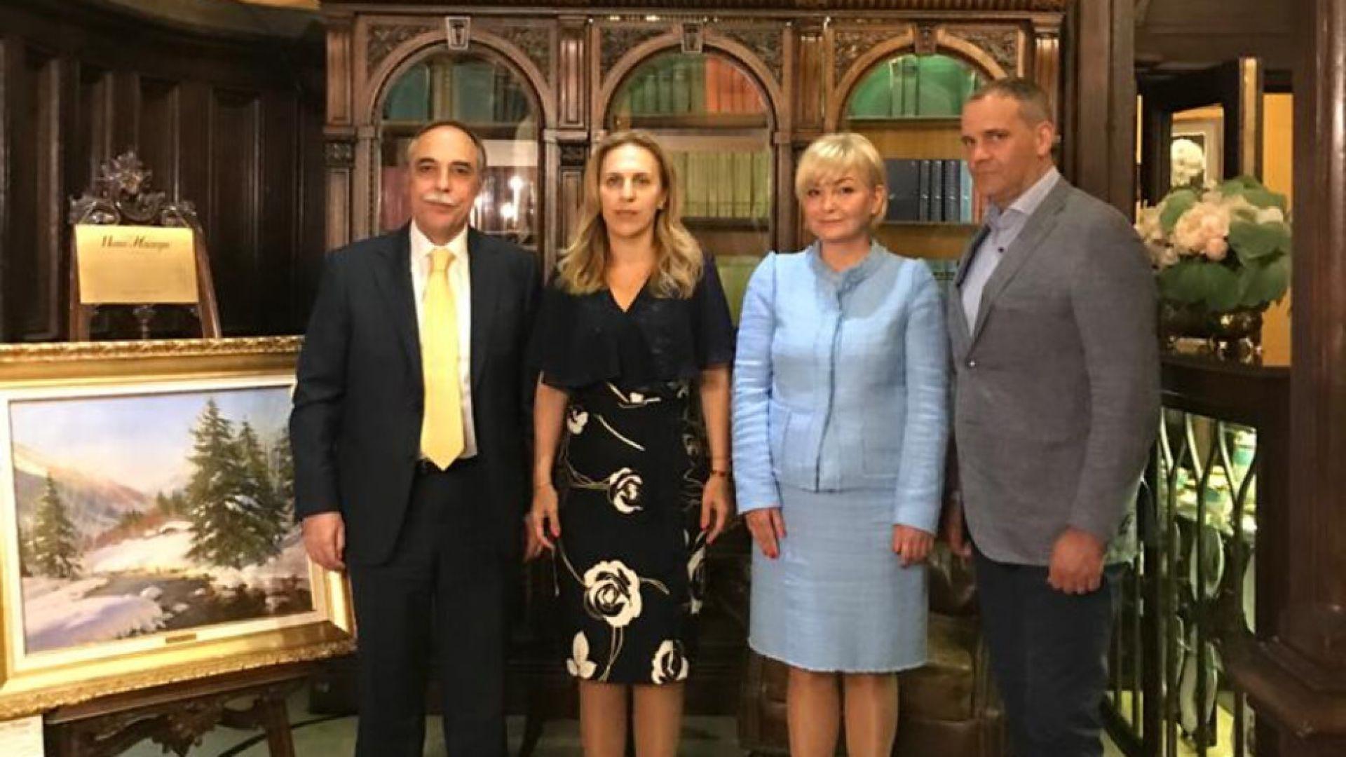Николова кани шефовете на Международната банка за сътрудничество у нас