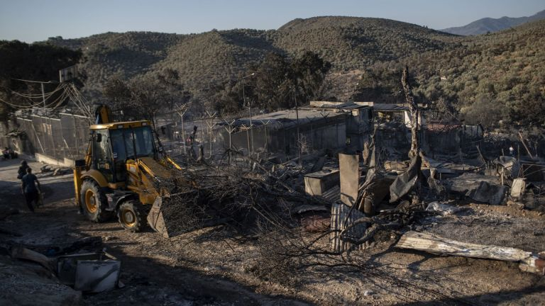 Всички палатки в лагера пострадаха от пожара