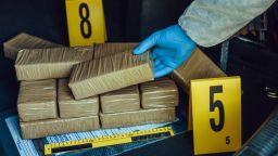 526 000 наркотични таблетки бяха открити в български тир на ГКПП Капъкуле
