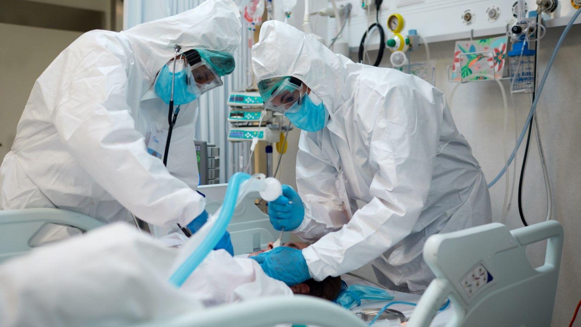 Двама лекари починаха от COVID-19, жертвите сред медиците вече са 15