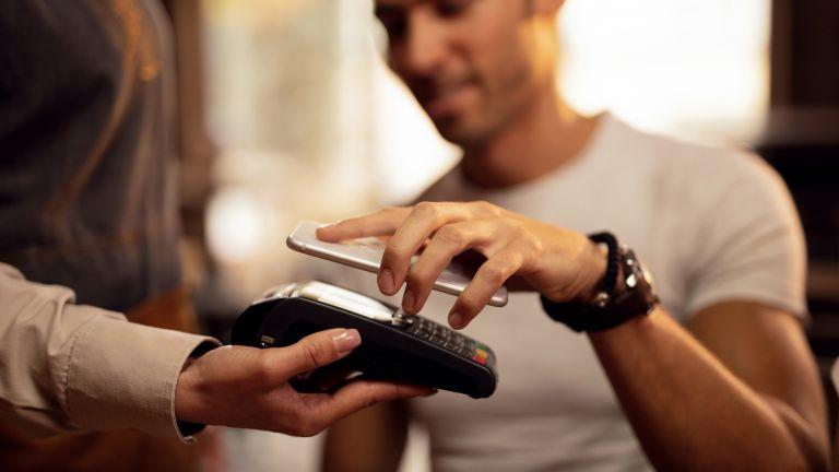 Може изцяло да замените банковата си карта при безконтактните пащания
