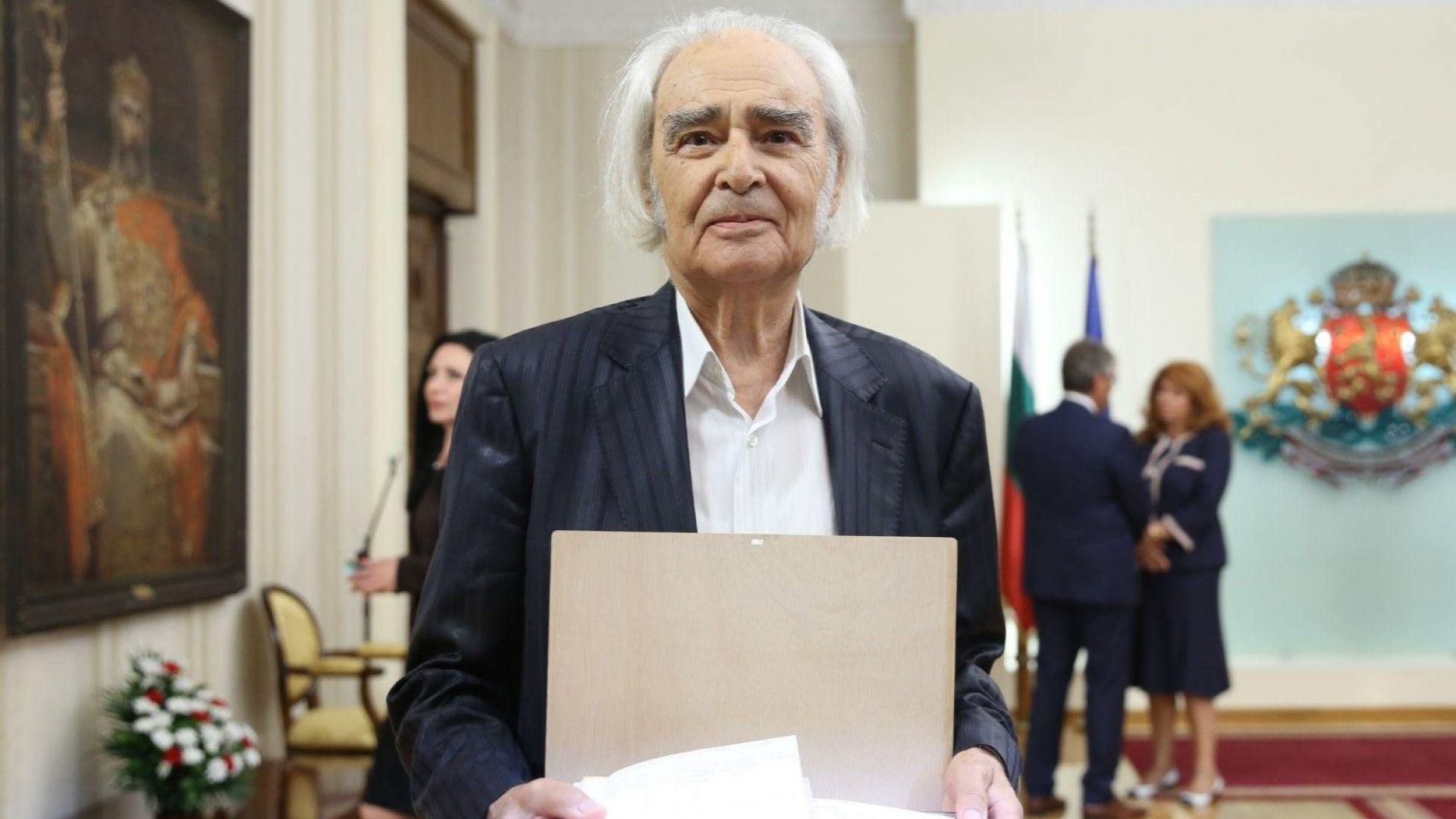 Акад. Антон Дончев: Не може да имаш българско сърце и да не ти е мъчно за това, което се случва в страната
