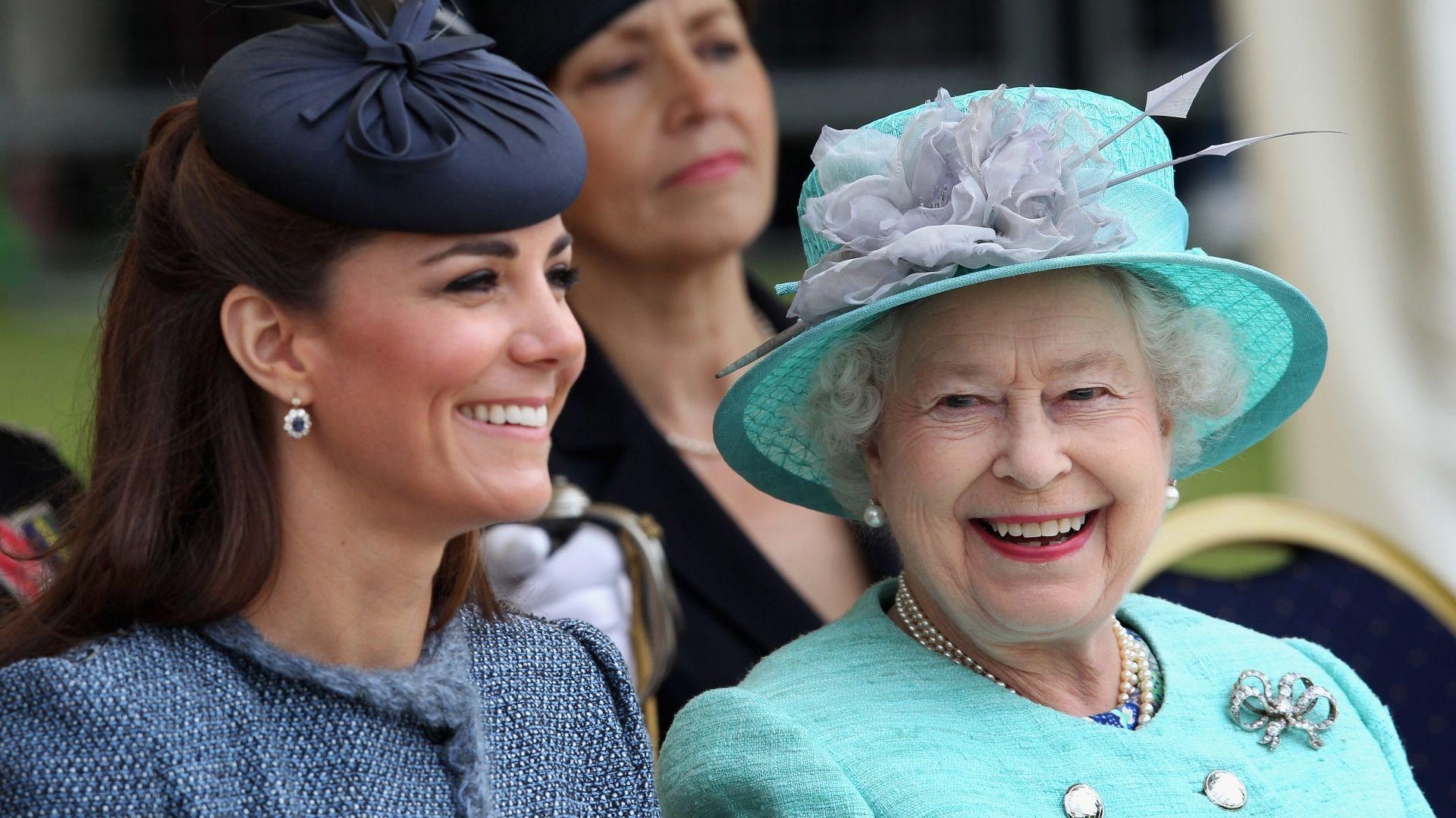 Кралица Елизабет Втора поздрави участниците във фотоконкурса на Кейт Мидълтън