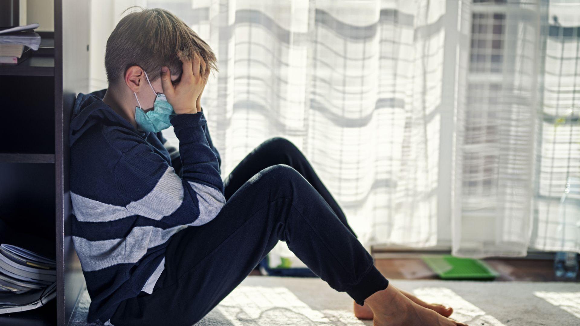 Самоизолацията и дистанционното обучение са причина за депресия при всеки трети ученик