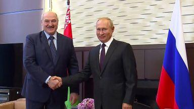 Путин пред Лукашенко: Беларус трябва да се справи без външна намеса, но даваме $1,5 млрд.