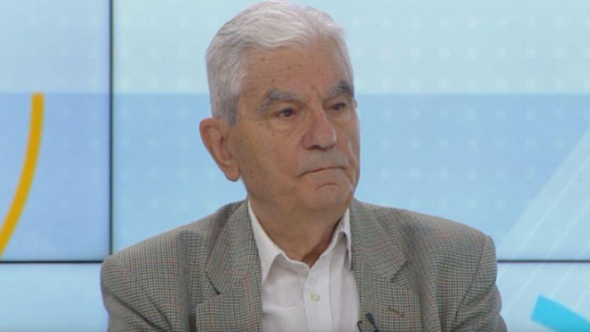 Акад. Петрунов: Неизбежно ще има нов пик на коронавируса през есента и зимата