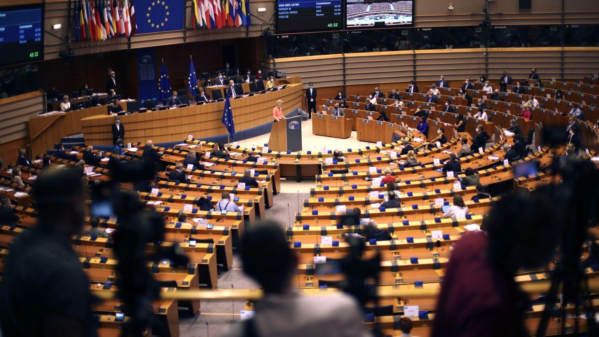 Урсула фон дер Лайен призова за Европейски здравен съюз в програмната си реч пред ЕС