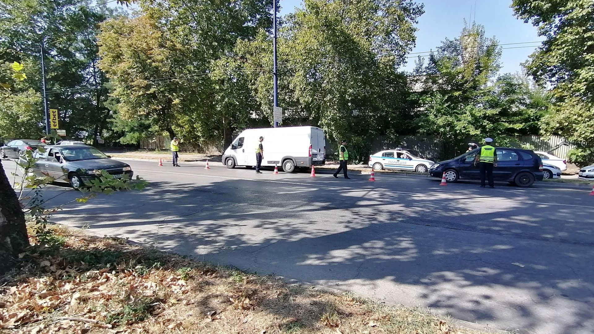КАТ с капан за висока скорост в Пазарджик - 180 шофьори ще бъдат глобени (снимки)