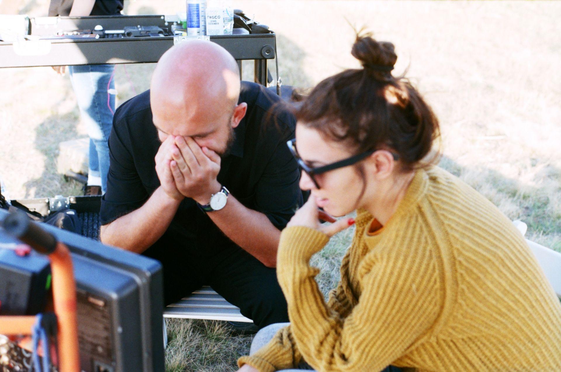 """Андреа с режисьора Борис Байков по време на снимките на филма """"Е80"""" Фотограф: Самуил Гълъбов"""