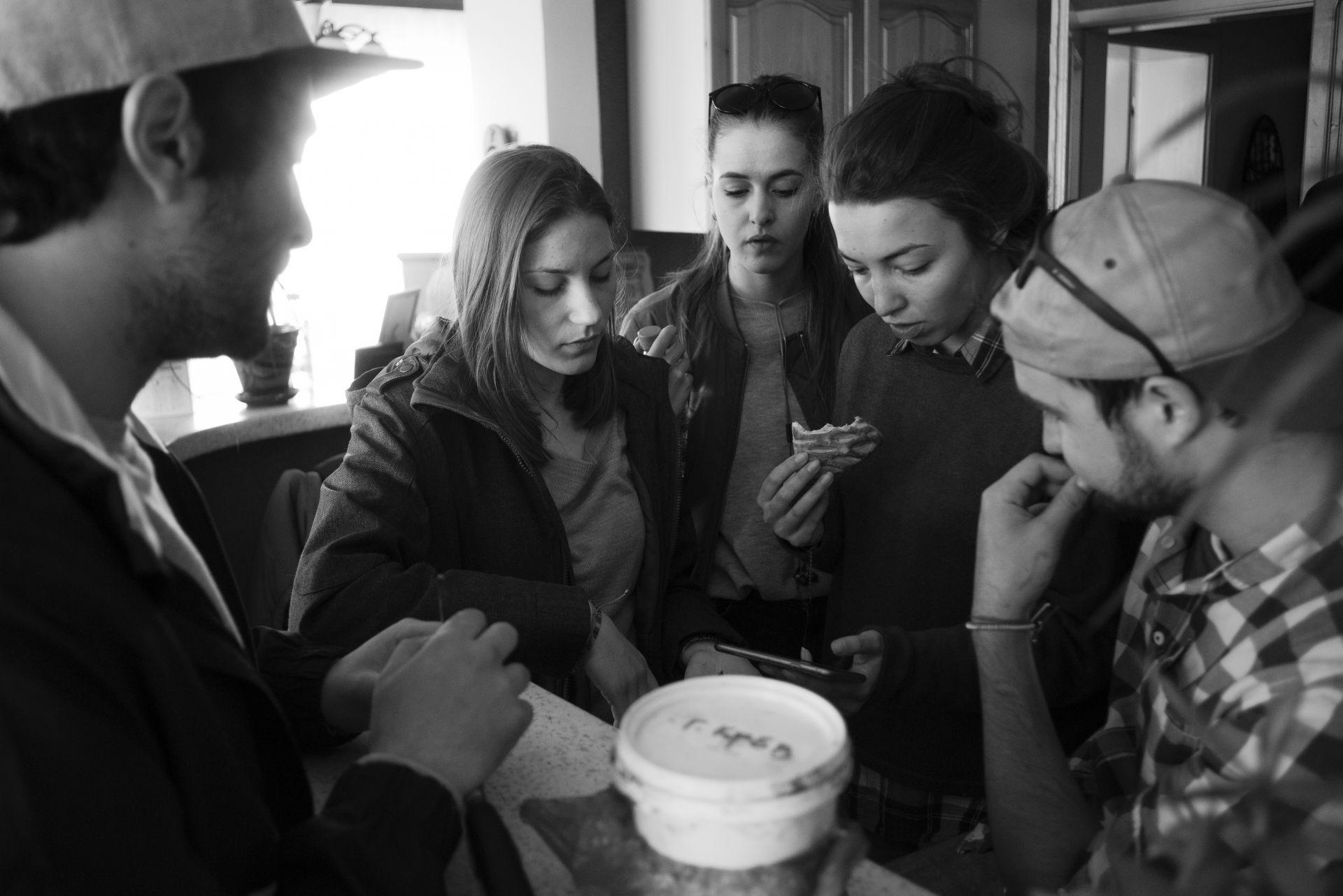 """Екипът по време на мейкинга на филма """"Заедно без теб"""", фотограф: Петър Недялков"""