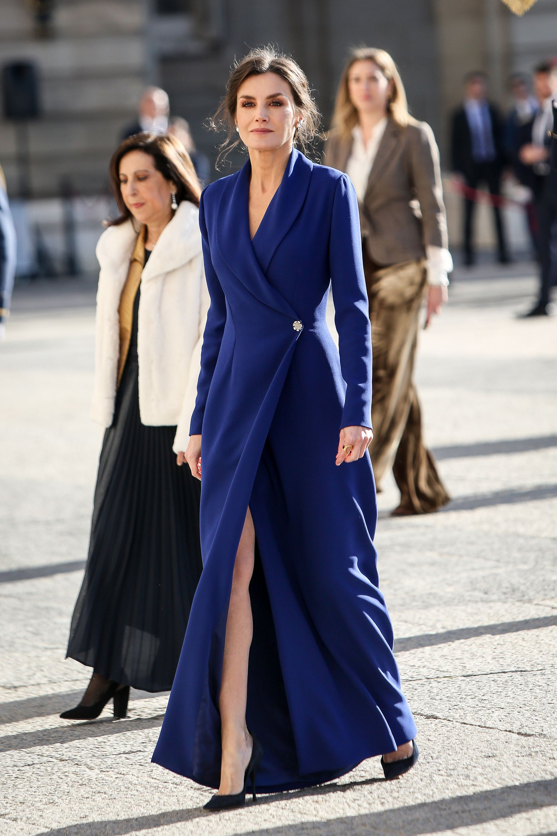 Кралицата на Испания - Летисия на първата си поява за 2020 година - военният парад на 6 януари