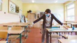 Първи случай на заразен ученик в Пловдив: Третокласник е с COVID-19