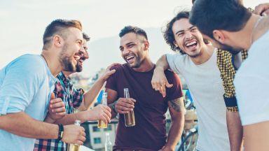 Забранено за жени! Мъжете, чието чувство за хумор развесели мрежата