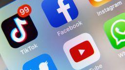 Вашингтон забранява свалянето на ТикТок и УиЧат от 20 септември