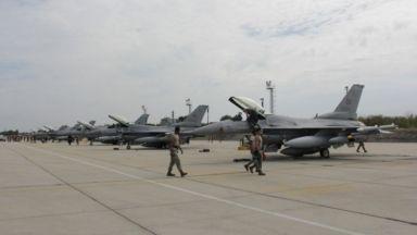 """Американските екипажи на F-16 кацнаха на летище """"Граф Игнатиево"""""""