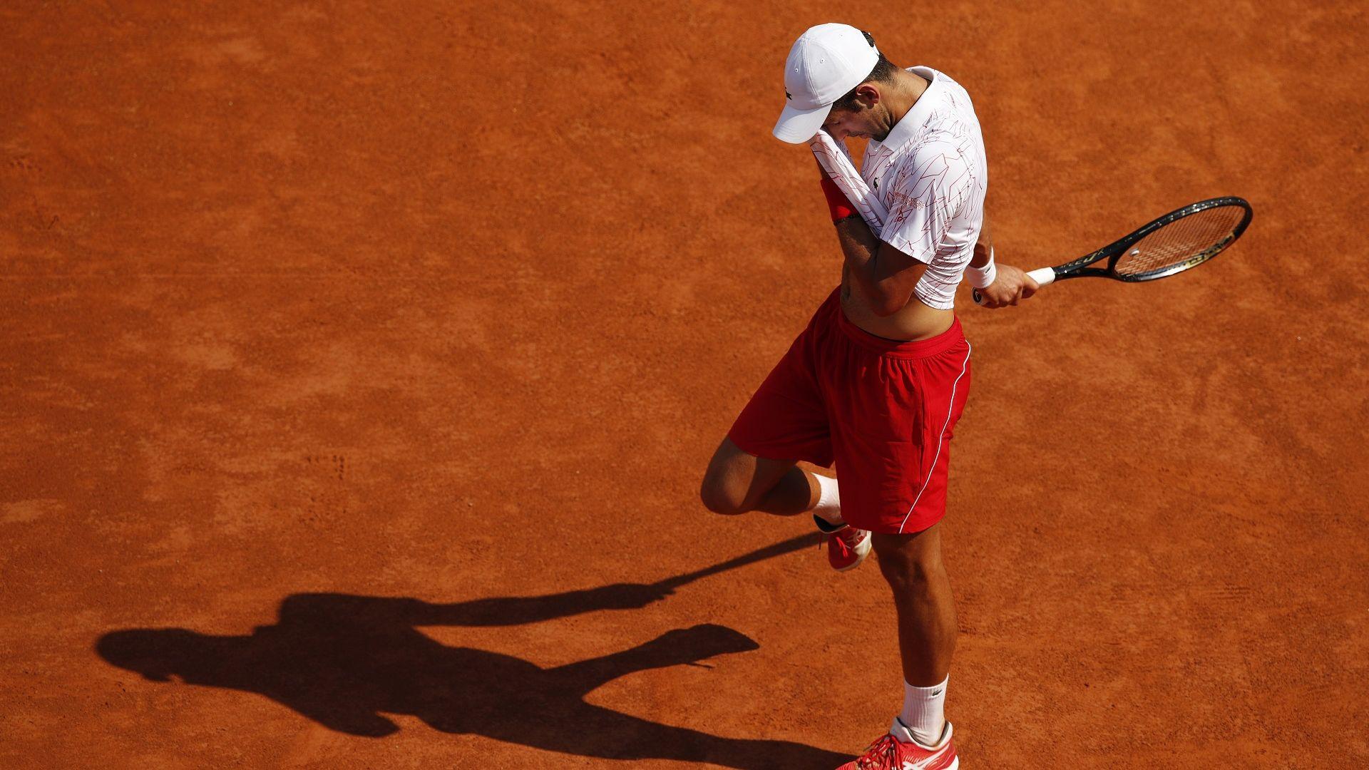 Ноле се поизпоти срещу сънародник, но за 14-и пореден път е на четвъртфинал в Рим