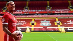 Ливърпул официално представи Тиаго