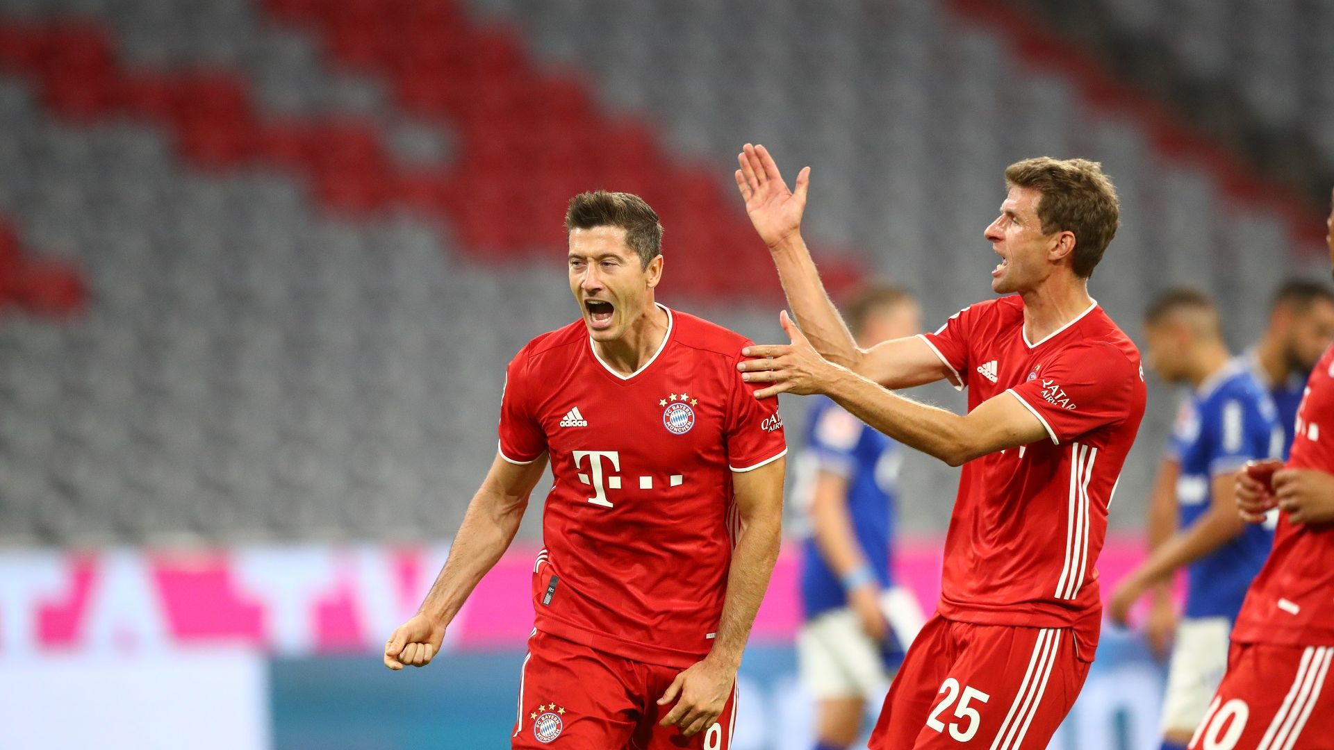 Баварската машина няма спирка, откри сезона с 8 гола