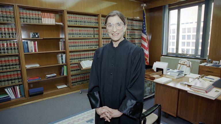 На 87-годишна възраст почина най-старата от 9-те съдии във Върховния
