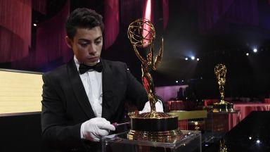 """2,8 милиона долара за гладуващите деца ще дарят на наградите """"Еми"""""""