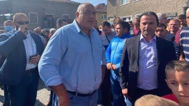Премиерът от Родопите: Обмисляме бюджет до 100 млн. за ремонт на пътища (видео и снимки)