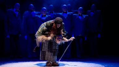"""""""Момо"""" - странната история за детето, което върна откраднатото време, вече е в Театър Азарян"""
