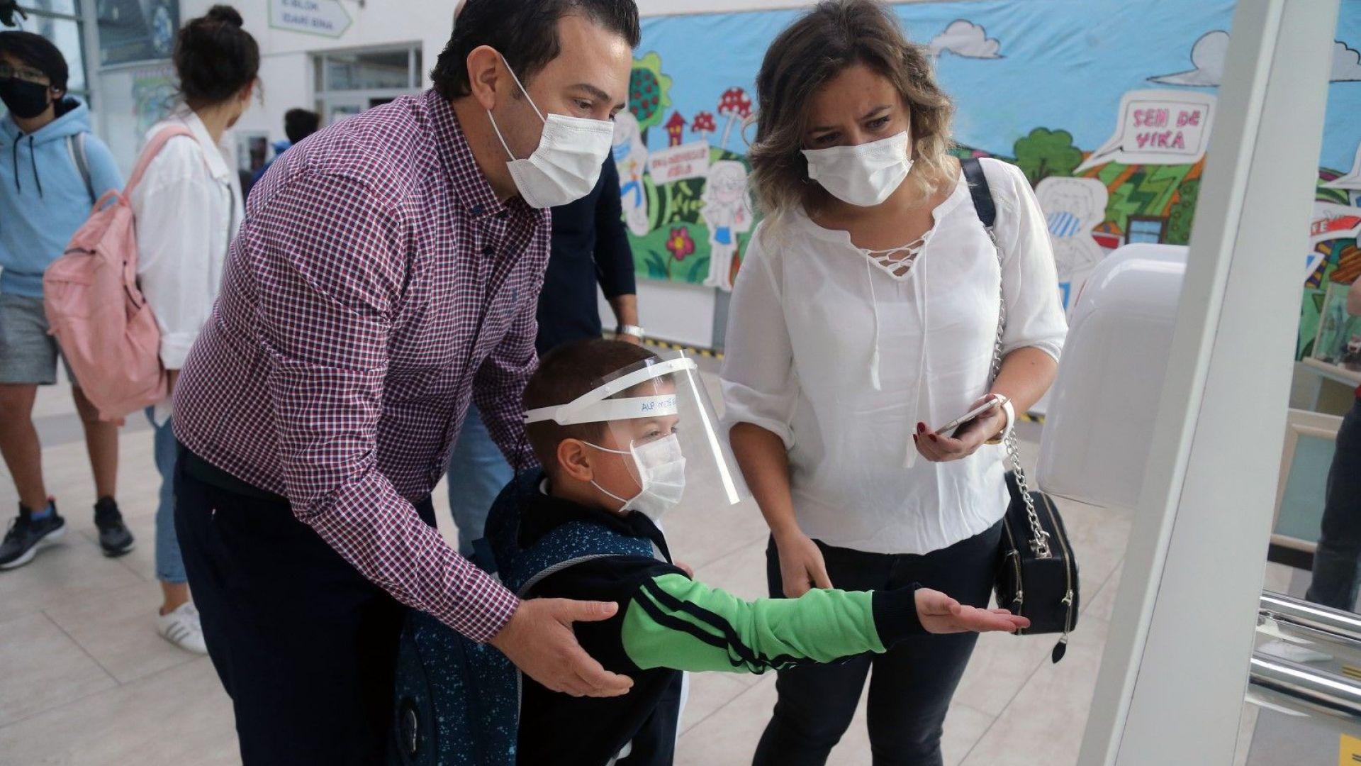 Турция затяга мерките срещу  коронавируса