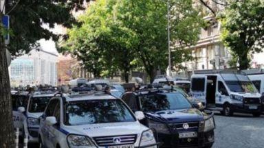 """Преди """"Велико народно въстание 3"""": Струпване на полицейски коли в София (видео)"""