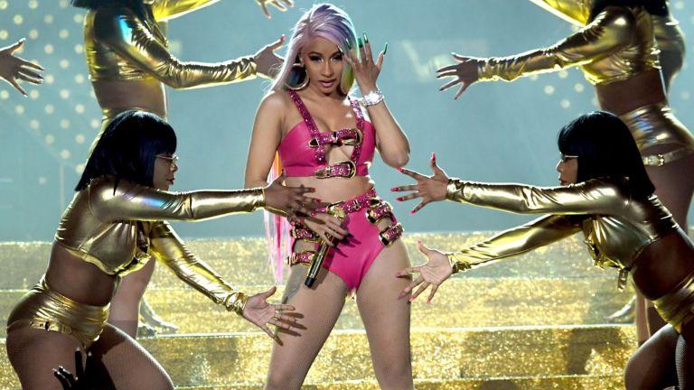 """Карди Би отново оглави класацията на Billboard за сингли с """"WAP"""""""