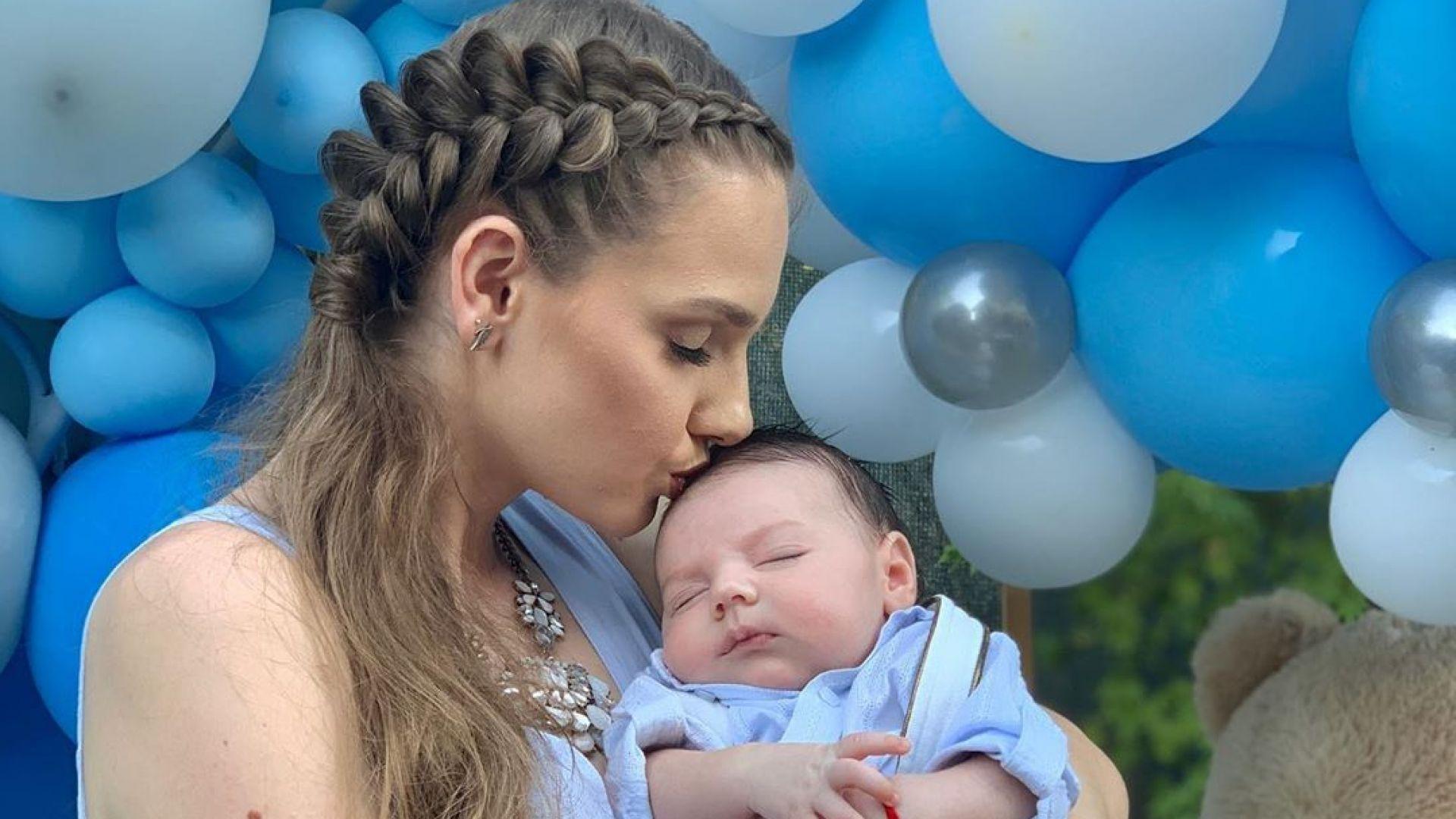 Нанси Карабойчева направи погача на бебето си (снимки)