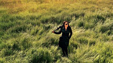 """Милица Гладнишка пее на 8 езика, сред които унгарски и китайски, в един """"Живот като на кино"""""""